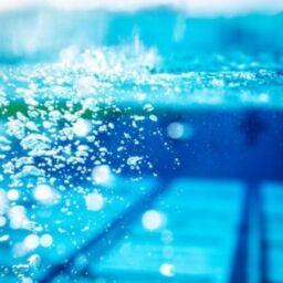 ¿Puedes contagiarte del coronavirus en una piscina?